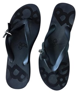 BCBGeneration Flip Flop Platform Black with Black Logo Sandals