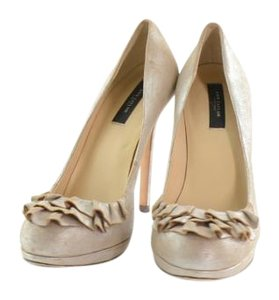 Ann Taylor Pumps Platforms