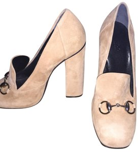 Gucci Nude/tan Pumps