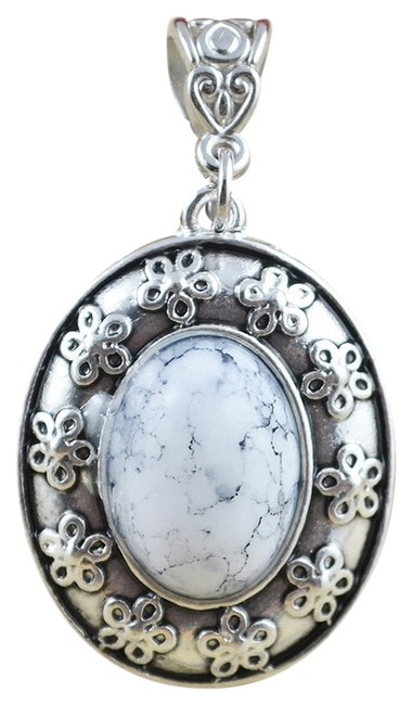 Item - White Turquoise Pendant In Floral Tibetan Silver Necklace