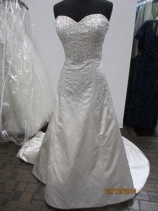 Demetrios 4325 (105l) Wedding Dress