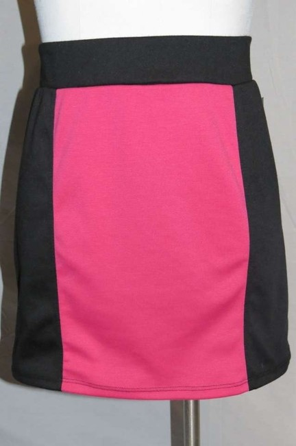 Luv Me More Skirt Pink/Black