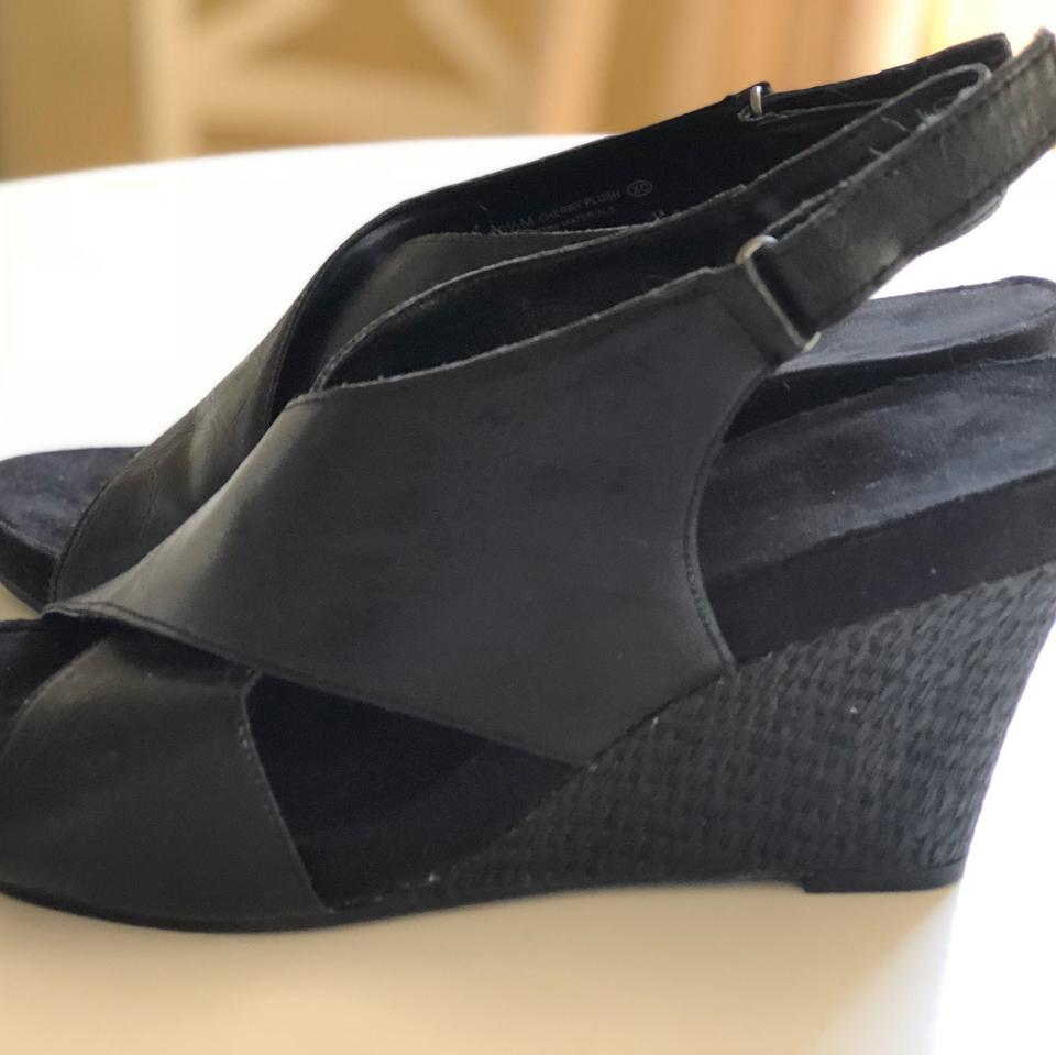 61aa58382c50 Aerosoles Black Platform Wedge Sandals Size US 10.5 Regular (M