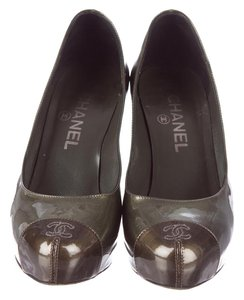 Chanel Platform Cap-toe Metallic grey and brown Pumps