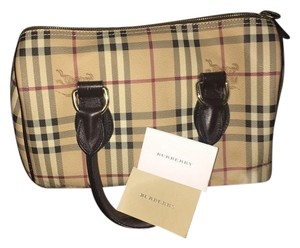 Burberry Satchel in Cream