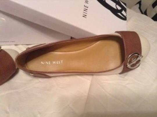 Nine West Light khaki and dark brown Flats