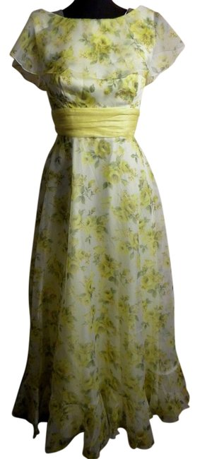 Preload https://img-static.tradesy.com/item/17065240/yellow-vintage-romantic-evening-gown-with-bow-4-6-long-formal-dress-size-6-s-0-1-650-650.jpg