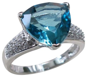9.2.5 unique blue topaz cocktail ring size 8