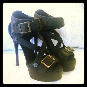 Burberry Prorsum Medieval Stilettos Black Platforms