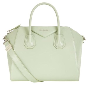 Givenchy Antigona Antigona Smooth Satchel in green