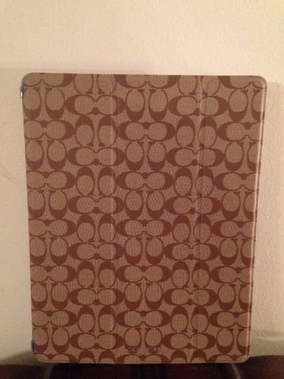 Coach NWT***Coach Peyton Signature Trifold Ipad Case Style# 69079 Khaki And Blue