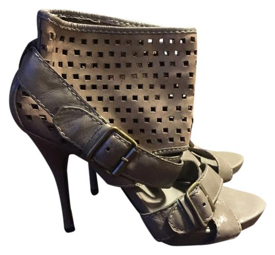 Steven by Steve Madden Designer Suede Summer Winter Heels Mesh gray Sandals