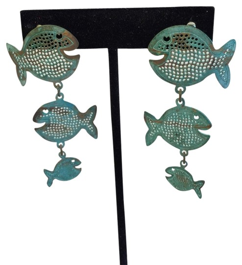 Preload https://item4.tradesy.com/images/green-summer-fish-earrings-1707058-0-0.jpg?width=440&height=440
