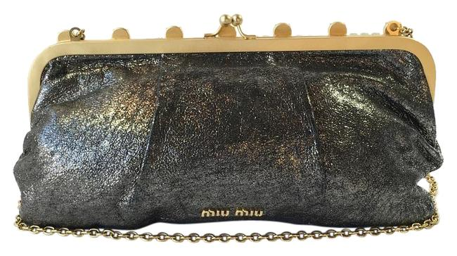 Item - With Crystals Metallic Silver Leather Clutch