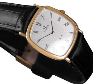 Omega 1980's Omega De Ville Vintage Mens Midsize Ultra Thin Dress Watch - 18K Gold Plated & Stainless Steel