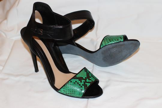 Narciso Rodriguez Leather Snakeskin Buckle Detail black/Emerald Green Sandals