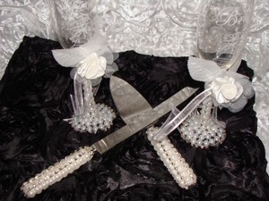 Wedding Cake Server Set & Matching Toasting Glasses