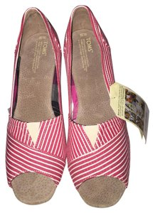 TOMS Red/White Wedges