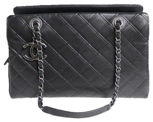 Chanel Tote Calfskin Shoulder Bag
