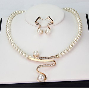 Fashion Rhinestone Pearl Necklace Earrings Jewelry Sets