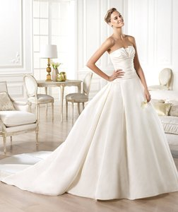 Pronovias Pronovias Georgia Wedding Dress