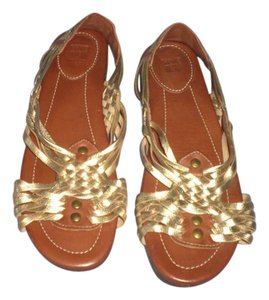 Frye brown/gold Sandals