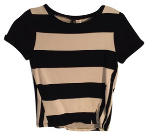 H&M T Shirt Black and white