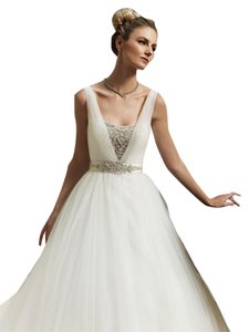 Casablanca Ivory Tulle/Beads 2091 Princess Ball Gown Modern Wedding Dress Size 10 (M)