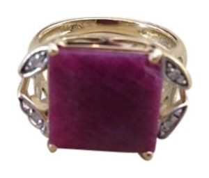 Unique Vintage Beautiful 18K Natural Rubi ring with diamonds