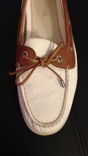 Sperry white with cognac trim Flats