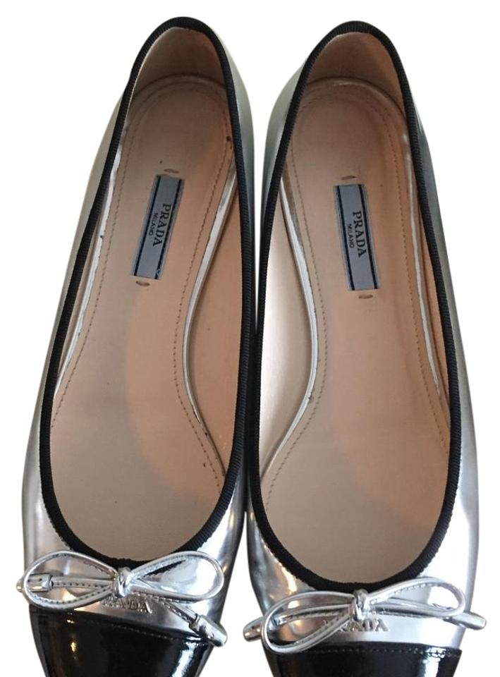Free shipping and returns on Women's Black Flats at rabbetedh.ga