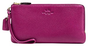 Coach 889532512843 F54056 Pink Wallet Wristlet in GOLD / FUCHSIA