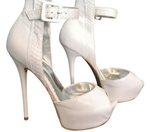 bebe White Pumps