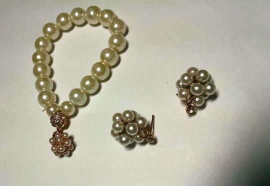 Other Faux Pearl Bracelet Earrings Set Gold Crystals Stretch 2 Piece J619