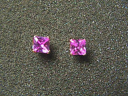 Unknown 14k Solid Yellow Gold Pink Stone Pierced Stud Earrings