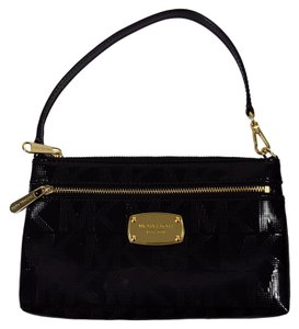 Michael Kors Patent Leather Clutch Jet Set Monogram Wristlet in Black