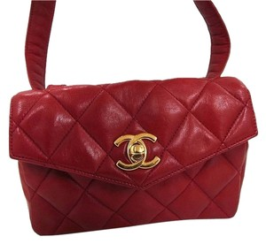 Chanel Quilted Lambskin Wristlet in Red