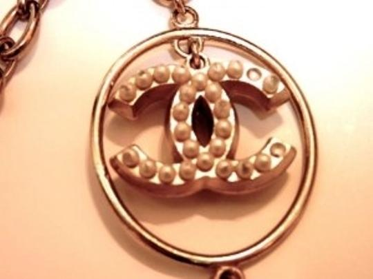 Chanel CHANEL gold chain and pearl CC and Globe Charm belt