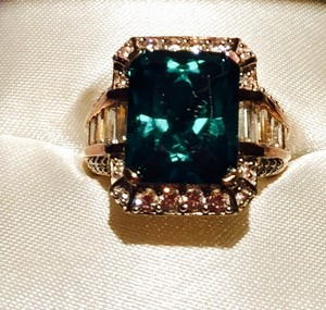 Victoria's Bridal Collection Victoria wreck Of Beverly Hills Genuine Gemstone, 14 K Gold Ring Size 5