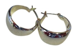Chloe + Isabel La Lune sculpted click top hoop earrings
