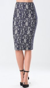 bebe Fitted Sexy Pencil Thigh High Slit Lace Skirt Navy/Neutral
