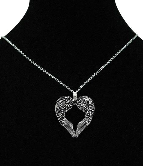 Preload https://item1.tradesy.com/images/black-aut-925-sterling-silver-dark-angel-wings-religious-death-family-mom-daughter-heart-beaded-chai-1709520-0-0.jpg?width=440&height=440