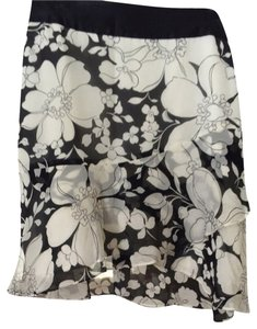 Banana Republic Skirt Black With Off-white Floral Pattern