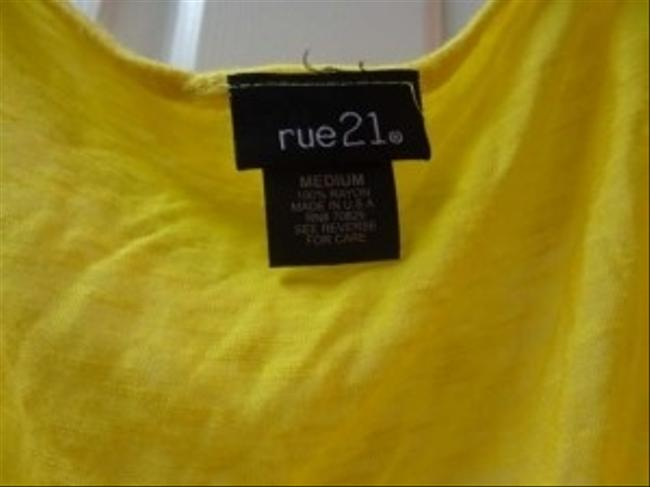 Rue 21 Top yellow