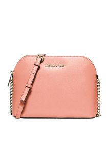 fcf679cf9ef2 Michael Kors Crossbody Bags - Up to 70% off at Tradesy (Page 51)