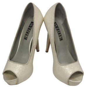 White by Vera Wang White Pumps