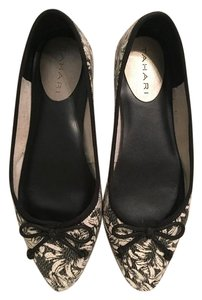 Tahari Black and White Flats