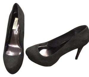 Vera Wang Dark Grey suede with detailed heels Pumps