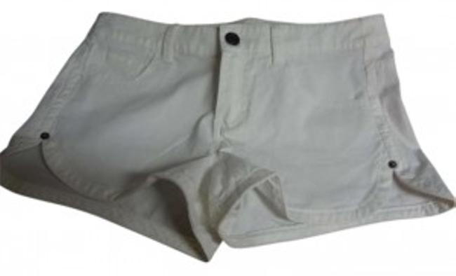 Preload https://item2.tradesy.com/images/mossimo-supply-co-white-minishort-shorts-size-8-m-29-30-170986-0-0.jpg?width=400&height=650
