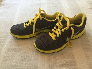 Nike Running Exclusive Grey, silver and yellow Athletic